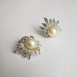 Vintage Tara Rhinestone and Pearl Clip On Earrings